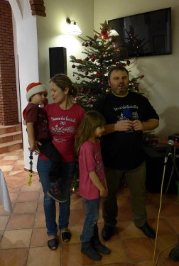 Gosia i Wojtek z dziećmi