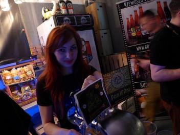 Justyna tym razem w Multi Qlti Tap Bar