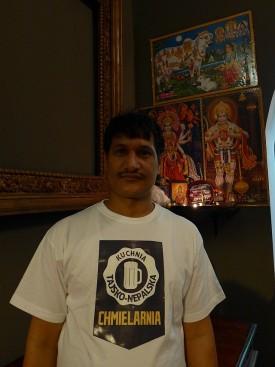 Ram - szef kuchni przy ołtarzyku