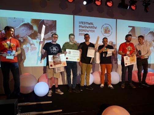 2 i 3 miejsce kategorii Pszeniczne i Owocowe - (Biere de Garde) Tomasz Żelezik, (Fruit Irish Stout) Bartosz Urbaniak